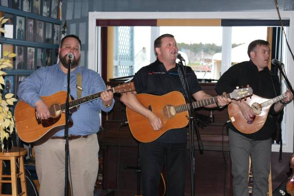 Chuck Lewis , John Curran, and Greg Walsh of the Masterless Men entertained the crowd. Thanks so much guys!!
